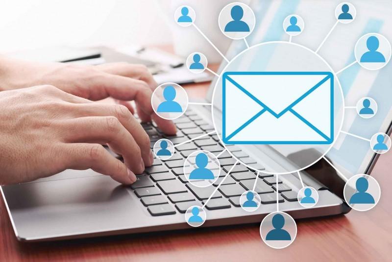 Personalización de correo electrónico con ChiroWebMD